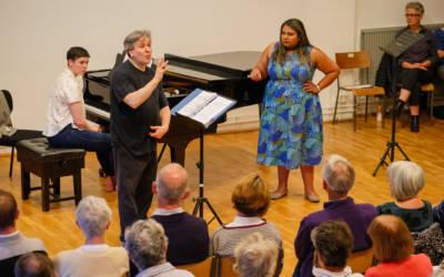 Antonio Pappano teaches soprano  Janani Sridhar and Madeline Sle