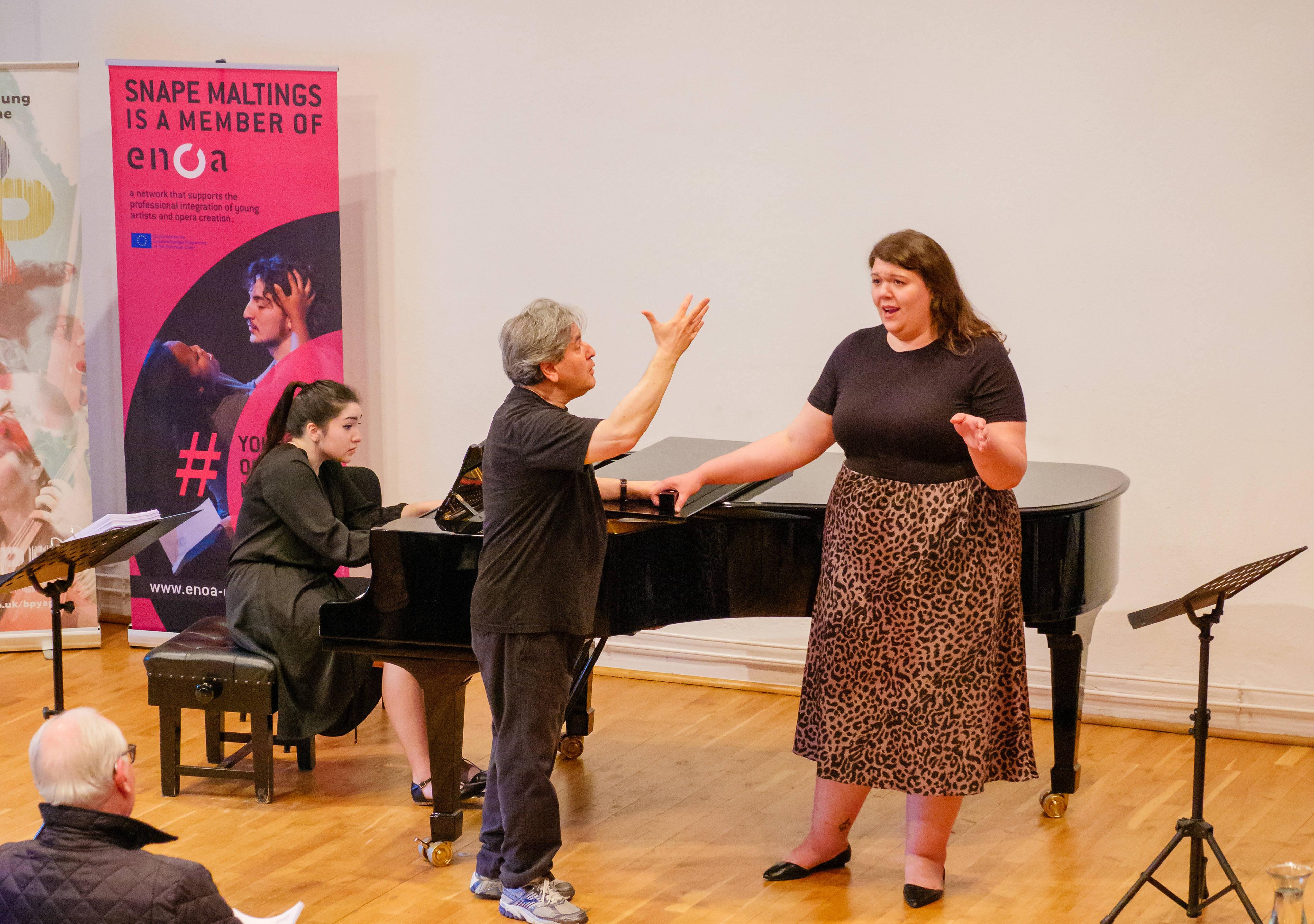 Antonio Pappano teaches contralto Lauren Decker and Katelan Terr